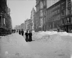 Fifth_Avenue_after_a_snow_storm
